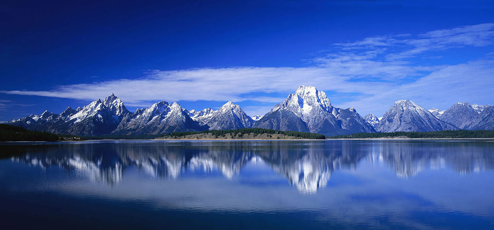 Snowy-Mountains-Reflections