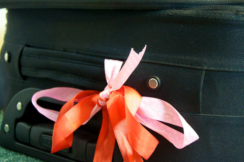 ribbon on luggage