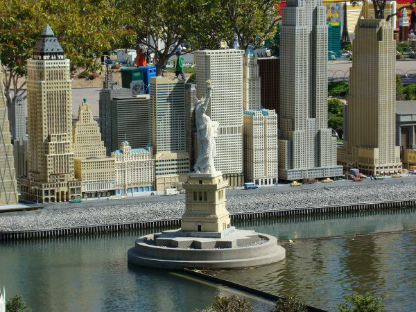 lego_statue_of_liberty.