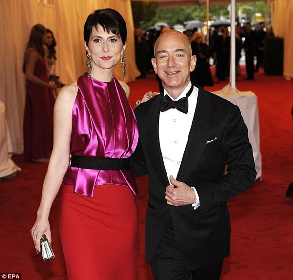 jeff-and-mackenzie-bezos-2