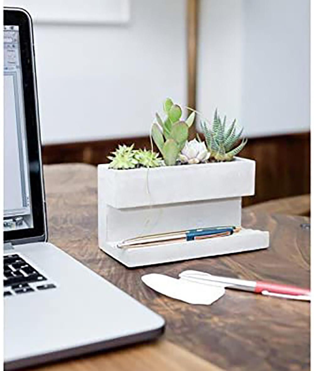 Kikkerland-Concrete-Desktop-Planter