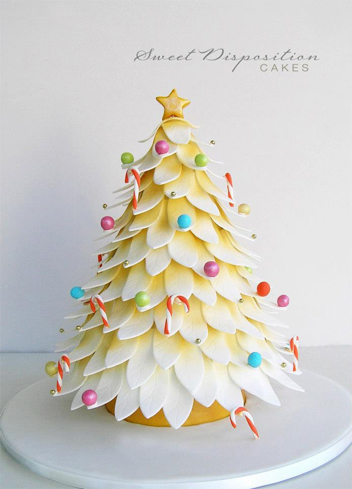 Unusual Christmas Cake Decoration : 50 Creative Christmas Cakes Too Cool to Eat - Hongkiat