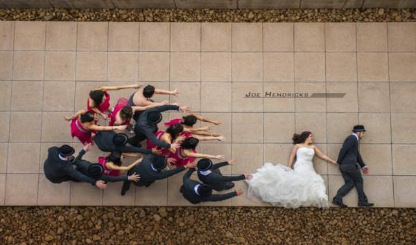 28 Ideas To Shoot Fun And Creative Wedding Photos Hongkiat