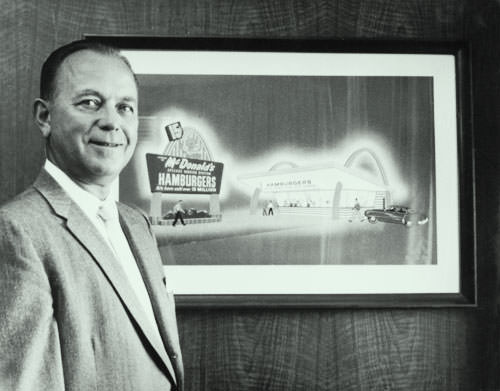 Description: C:\Users\2\Desktop\Ray Kroc entrepreneur and freelancer who started mcdonalds.jpg