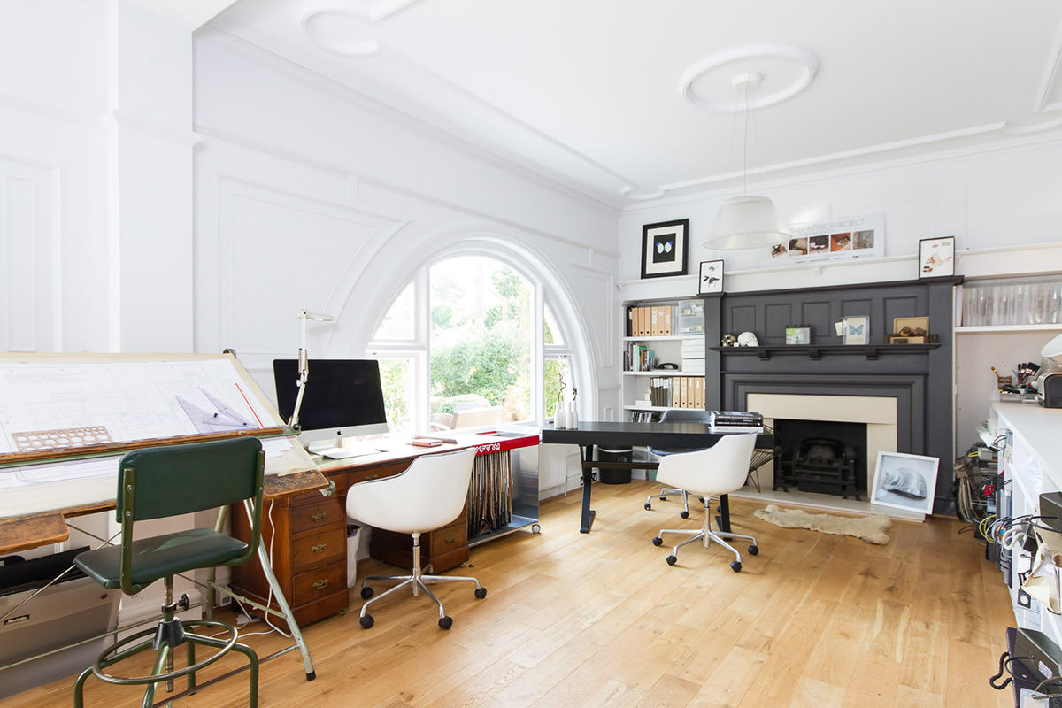 30 modern day home office designs that truly inspire for Office room interior designs