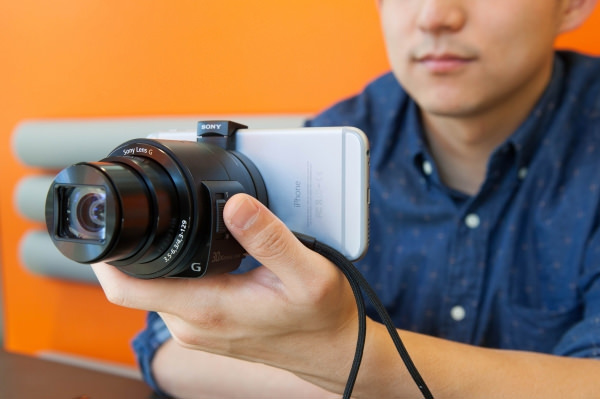 Sony DSC-QX30 Lens-style Camera