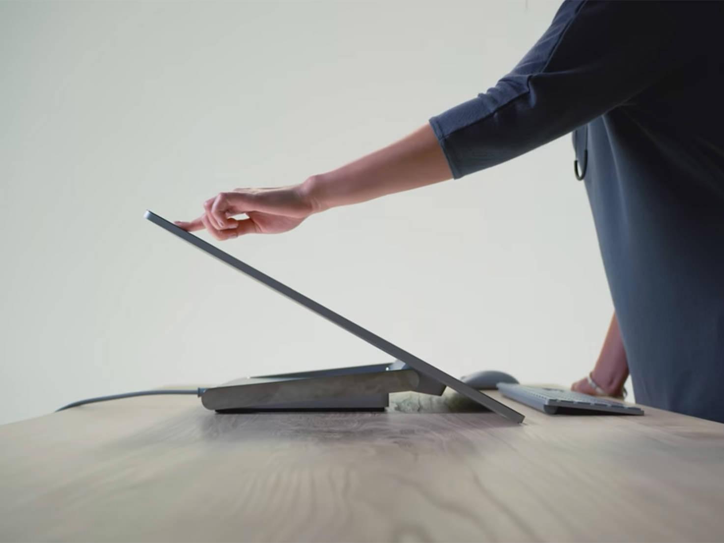 zero-gravity hinge