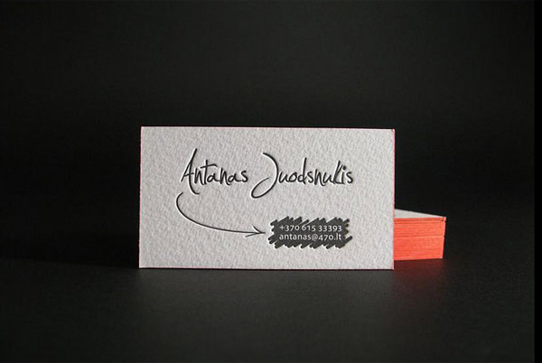 20 minimalistic business card designs for your inspiration hongkiat business cards with painted edge by saulius dumbliauskas reheart Gallery