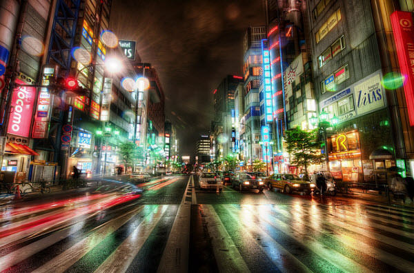 city streets of tokyo