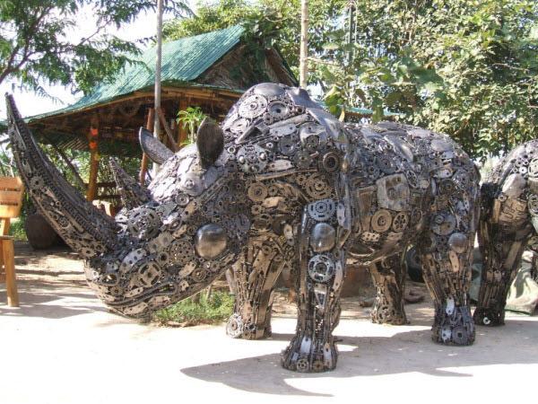 metal rhino