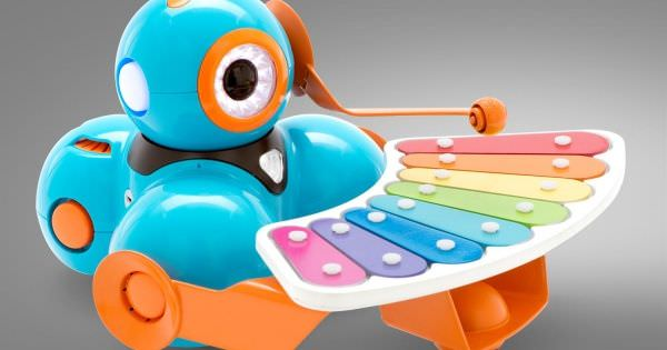 Wonder Workshop Dash and Dot Robot Wonder Pack