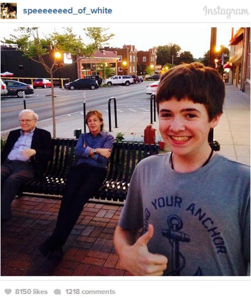 tom white selfie