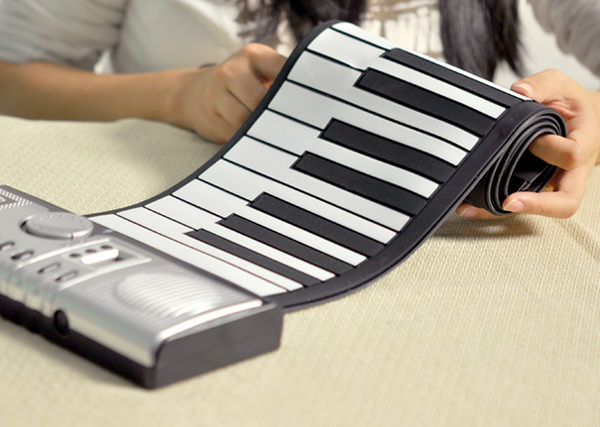 Roll-Up-Electronic-Piano