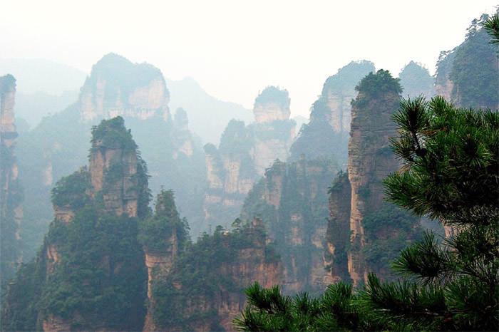 zhangjiajie-sandstone-pillars