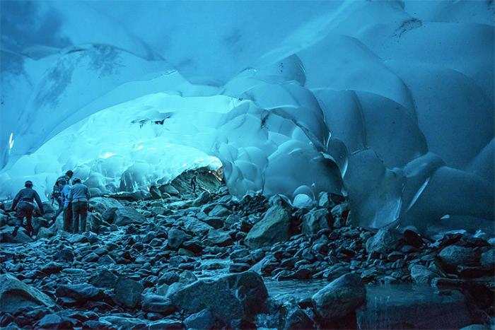 mendenhall-ice-caves