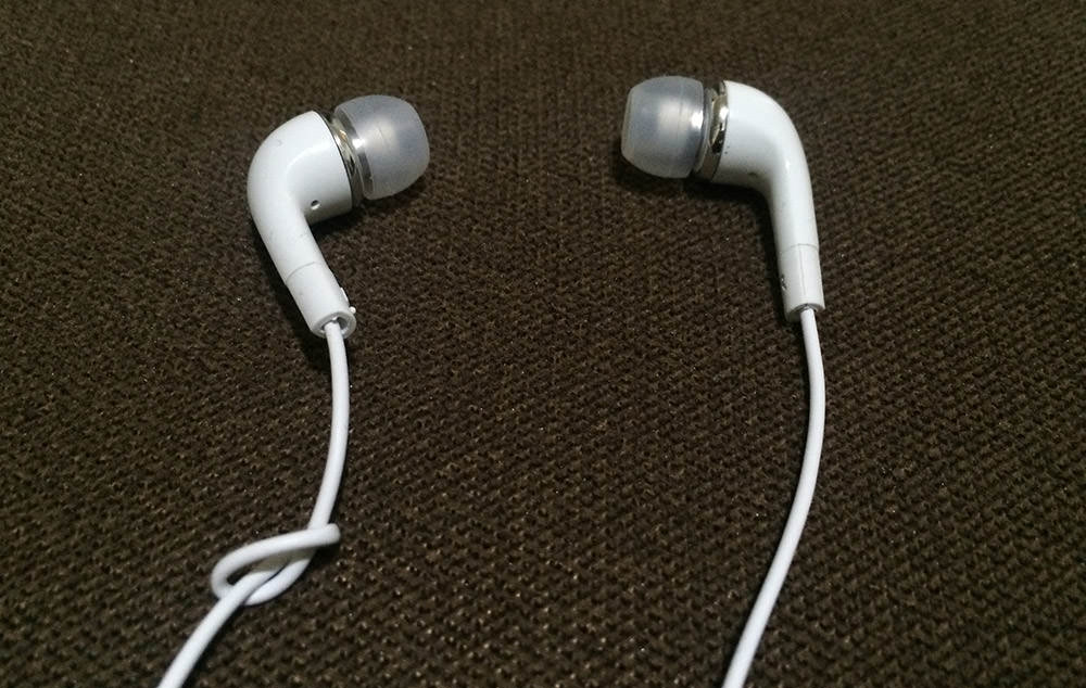 left right earphone