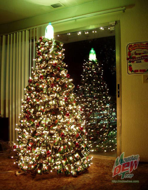 Pure Gold Christmas Tree. (Image Source: Today)