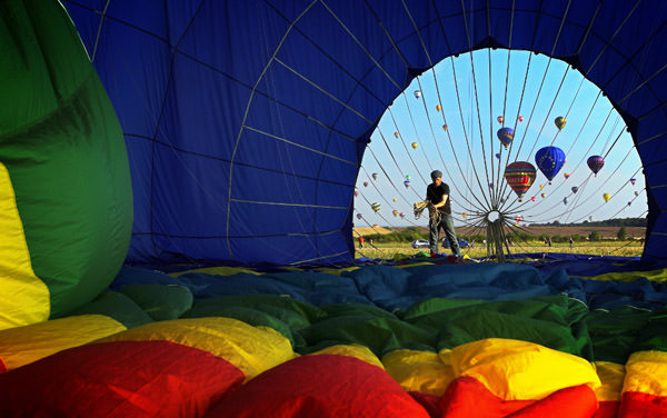 Montgolfieres by Armel Couette