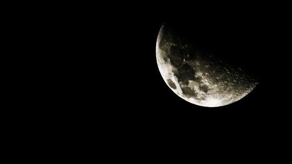 frosbitten-moon